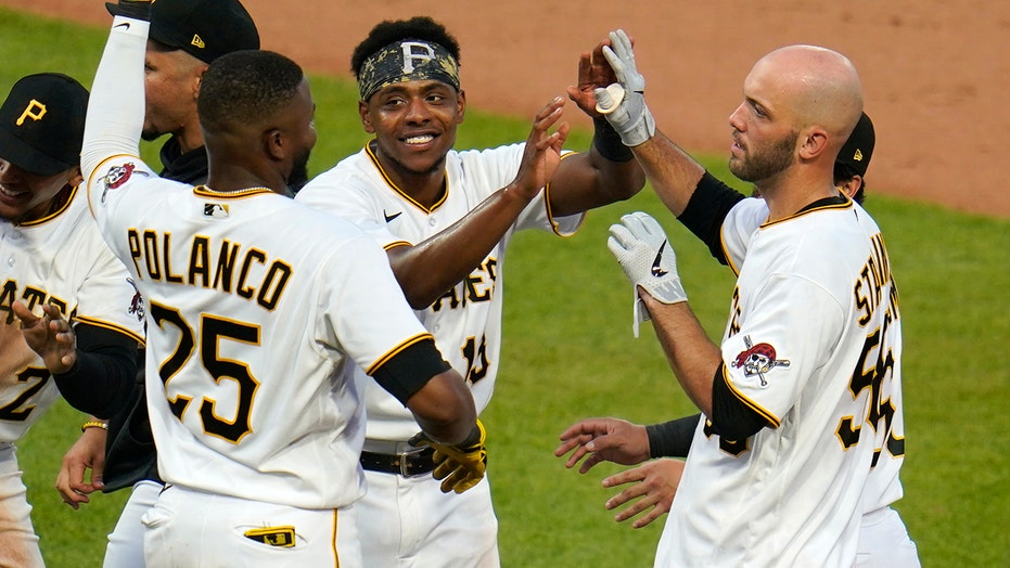 Stallings' hit lifts Pirates, Marlins' 8th loss in row