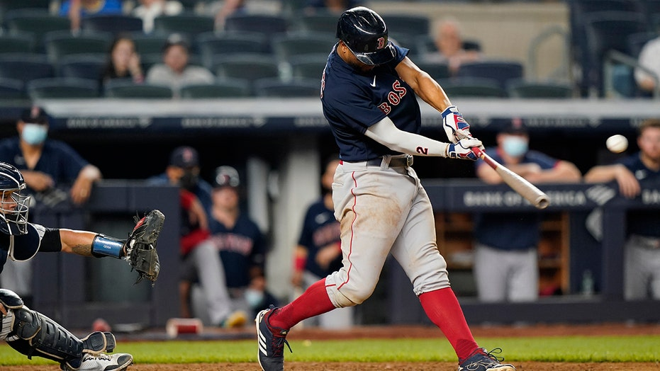 Red Sox hold off Yankees 6-5 in 10 for 3-game sweep in Bronx