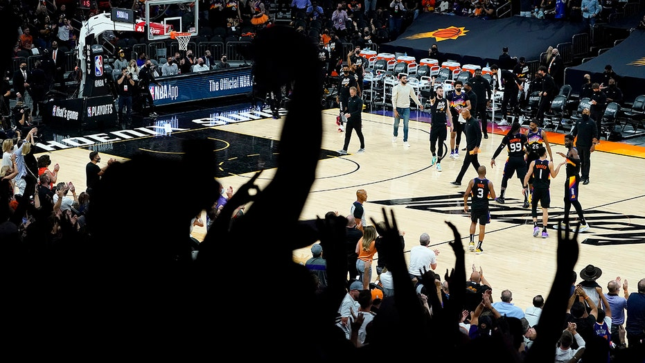 Boosted by big crowds, Suns try to win again vs Nuggets