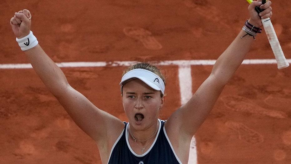 Unseeded Krejcikova, Pavlyuchenkova reach French Open final