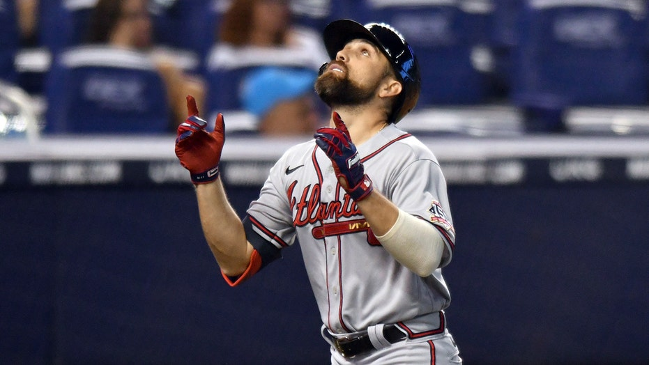 Riley homers, Smyly wins on birthday, Braves top Marlins 6-4