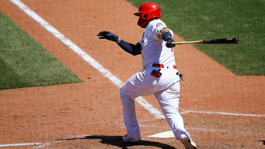 Molina's RBI single in 9th lifts Cardinals past Marlins 1-0