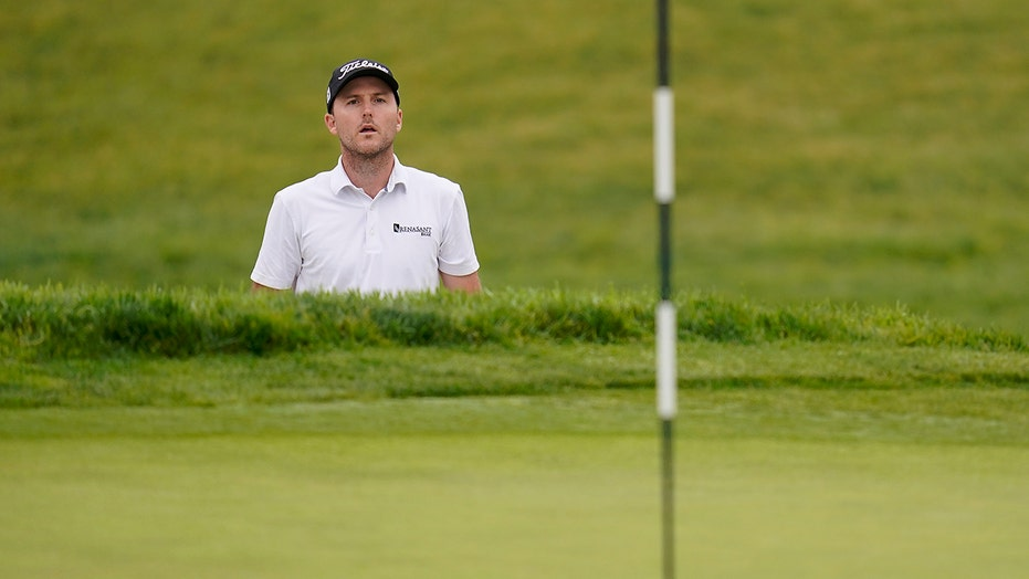 Henley has happy return to Torrey and takes early Open lead