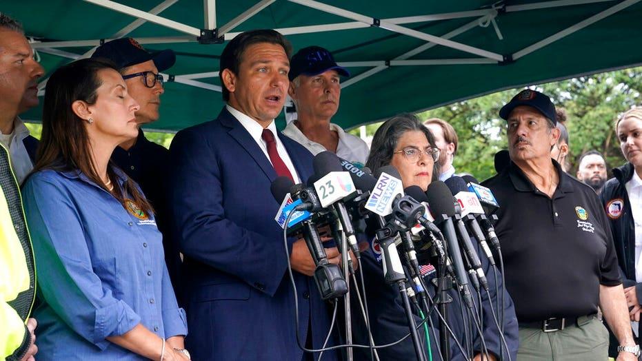 フロリダ州政府. デサンティス: 倒壊したマンションのマイアミ姉妹ビルは避難しなければならないかもしれない