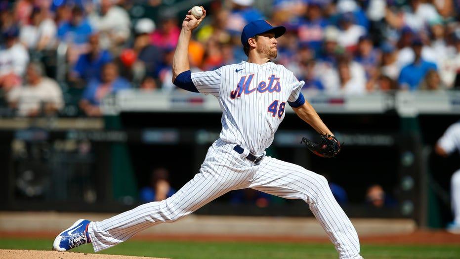 DeGrom's shutout streak ends at 31 innings, Mets top Phils