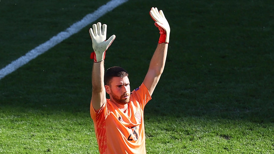 Spain goalkeeper makes improbable gaffe in 5-3 extra time victory over Croatia