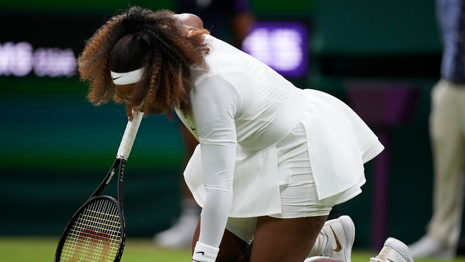 Serena Williams out at Wimbledon after sustaining leg injury