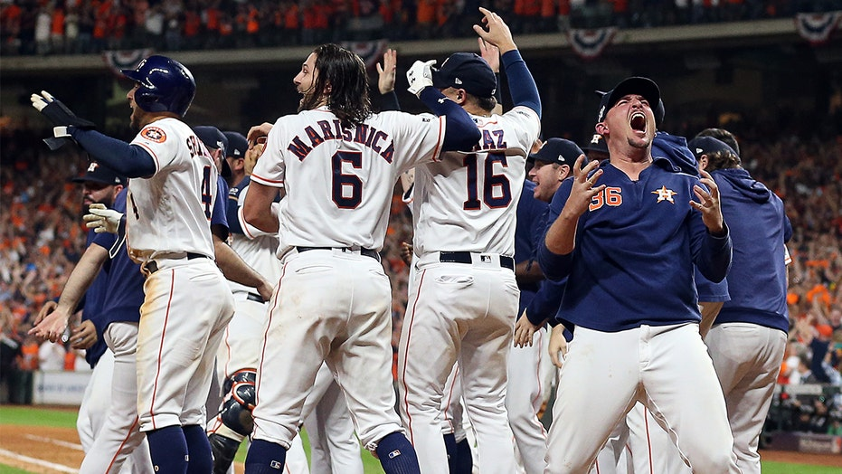 Astros July giveaway features 2019 ALCS trophy, ring in series against Yankees