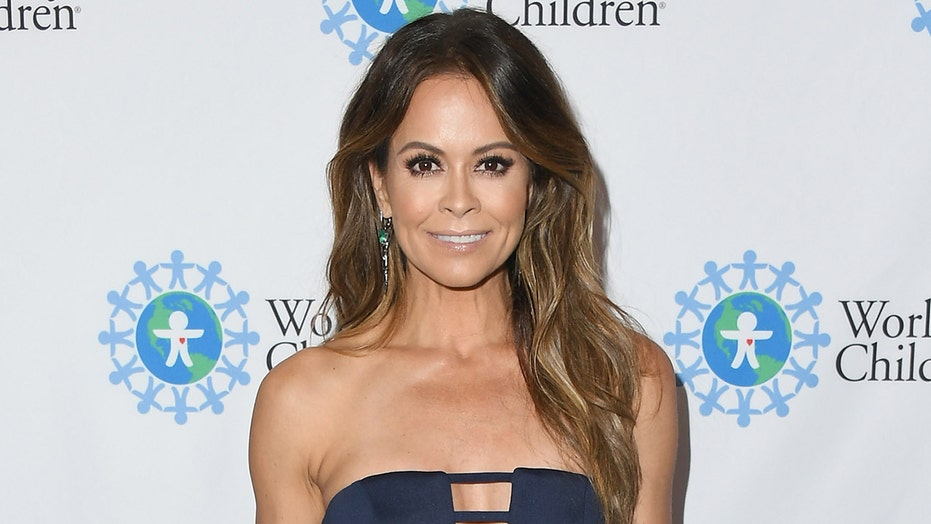 Brooke Burke launches 28-day 'summer slim down' with sizzling bikini pics: 'Let's do this'