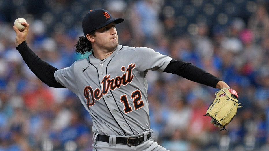 Tigers' Casey Mize forced to change glove over its color: Timing was 'was pretty s—tty, honestly'