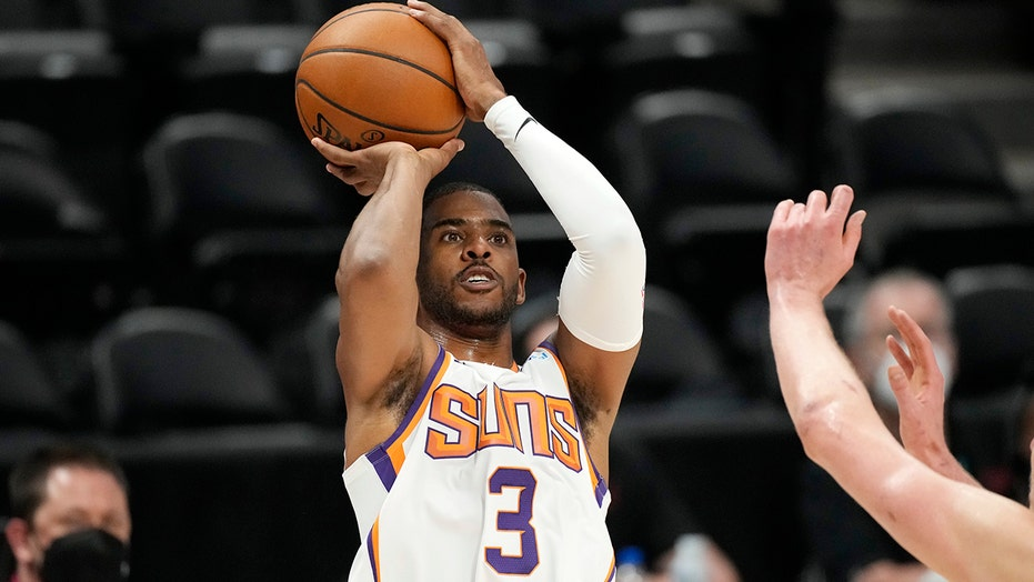 Suns' Chris Paul enters NBA's health and safety protocol as conference finals near: report
