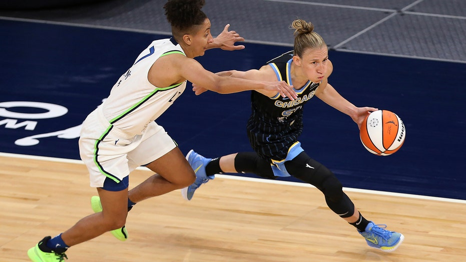 Vandersloot becomes 4th in WNBA history with 2,000 assists