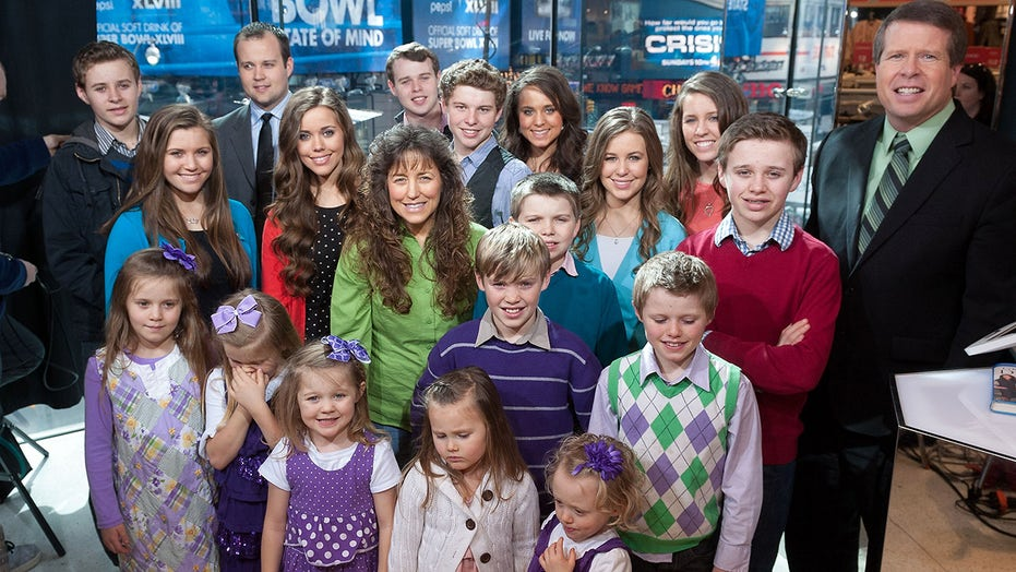 The Duggar family is split over Josh Duggar's child pornography charges: report