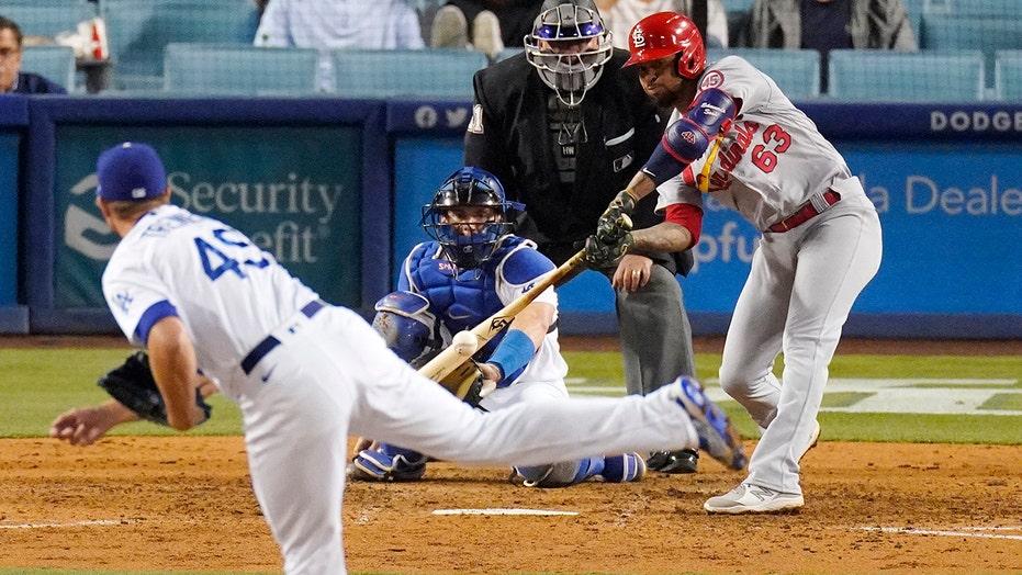 Sosa's bat, O'Neill's glove lift Cardinals over Dodgers 3-2