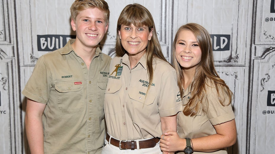 Bindi and Robert Irwin share sweet photos in honor of their parents' wedding anniversary: 'Soulmates'