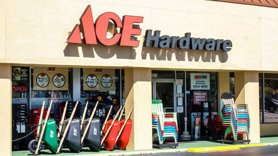 Seattle Ace Hardware fight over masks gets physical