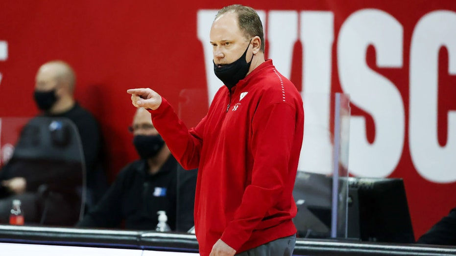 Wisconsin Badgers MBB coach Greg Gard responds after leaked recording of seniors confronting him