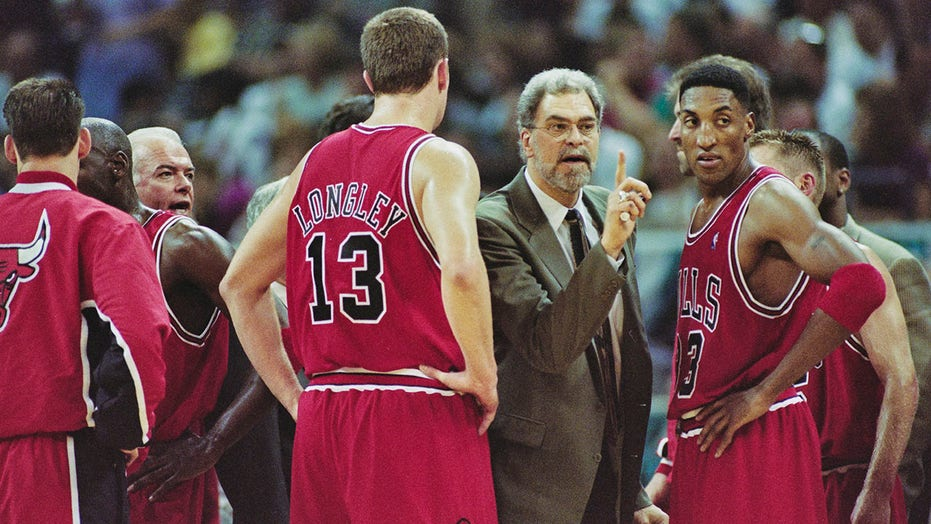 Scottie Pippen tries to paint Phil Jackson as racist over drama from 1994 playoffs