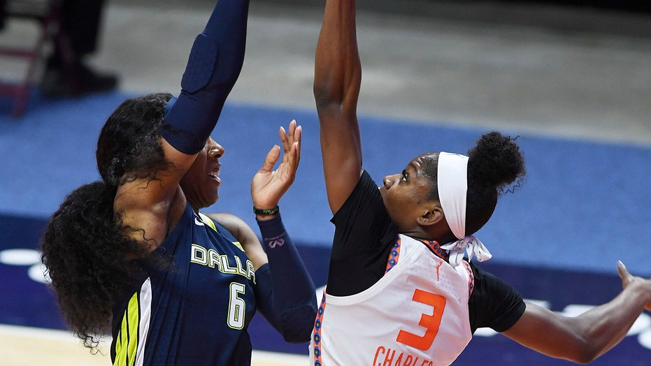 Bonner, Charles each get double-doubles in Connecticut's win
