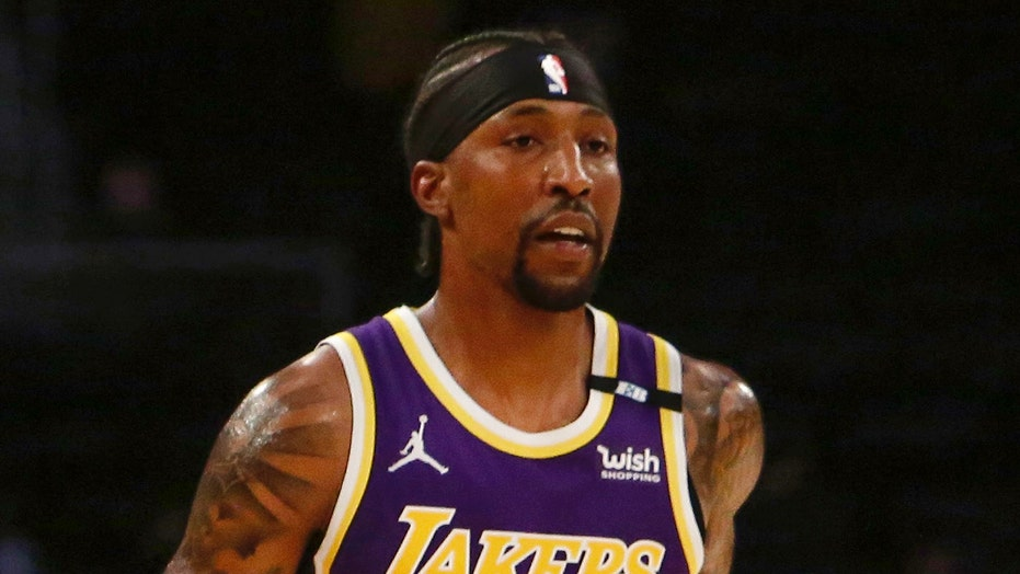 Lakers' Kentavious Caldwell-Pope robbed at gunpoint as thieves make off with $150,000 worth of goods: report