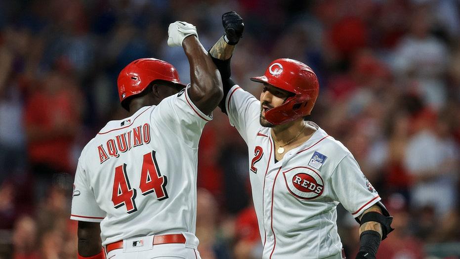 Castellanos hits slam as Reds rally past Phillies 12-4
