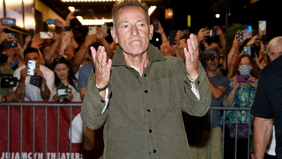 Bruce Springsteen cracks joke about DWI at Broadway reopening