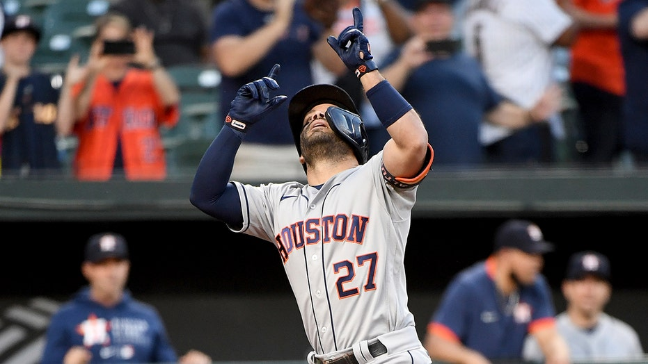 Astros club 4 HRs, beat Orioles 13-0 for 10th straight win