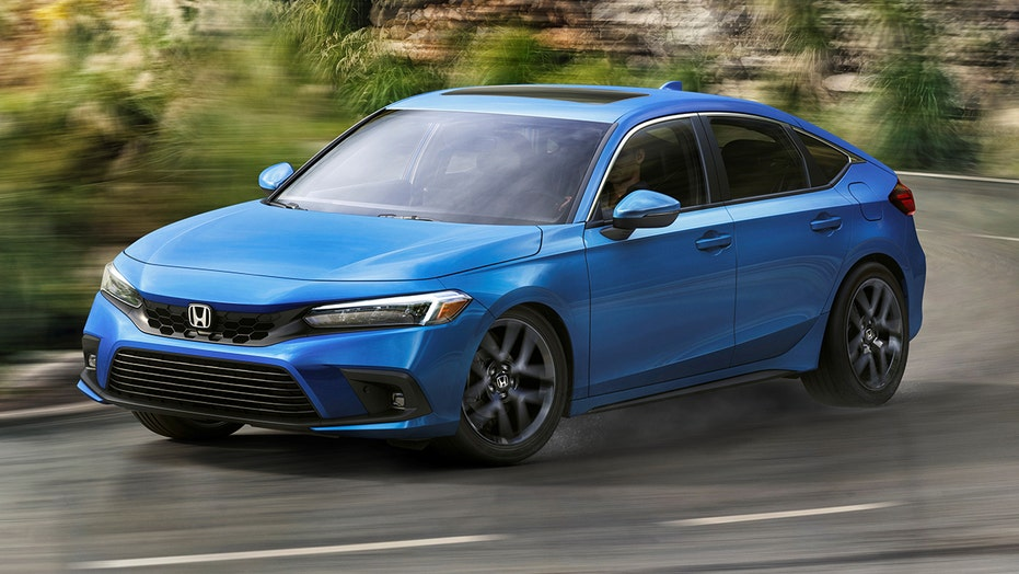 2022 Honda Civic Hatchback revealed with stick shift and sporty styling