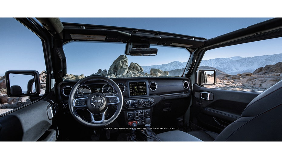 Plug-in hybrid Jeep Gladiator pickup teased as Ford F-150 Lighting competitor
