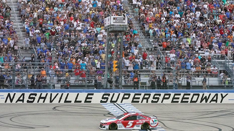 NASCAR in Nashville: Kyle Larson wins third consecutive Cup Series points race