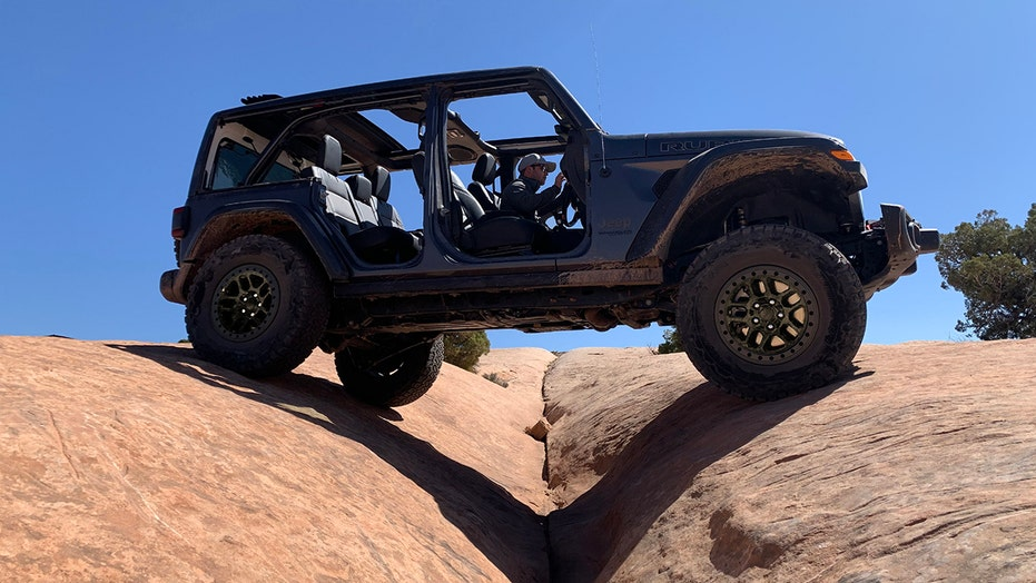 Jeep tries to stomp on Ford Bronco with new Wrangler Xtreme Recon SUV