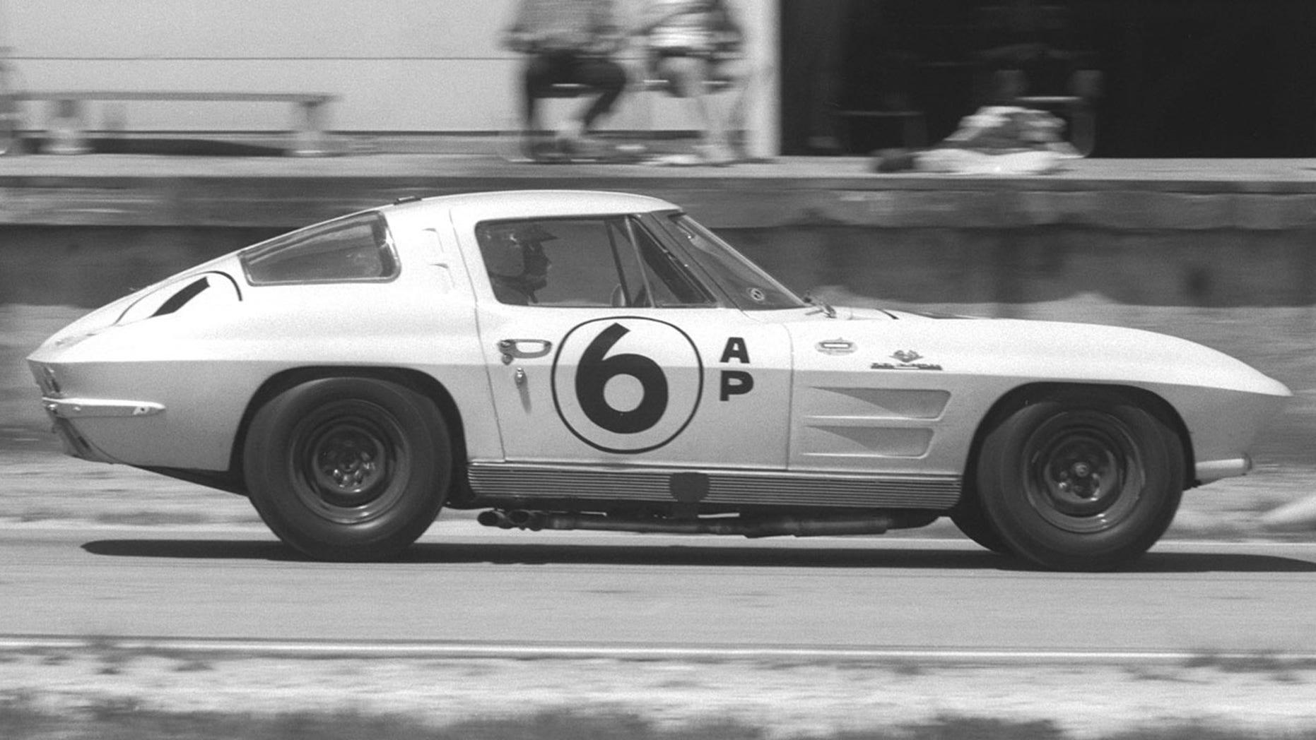 4-seat 1963 Chevrolet Corvette