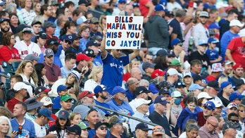 Red Sox hit 5 HRs, beat Blue Jays 7-4 in Buffalo finale