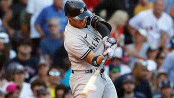 Odor, Yankees rally in 8th, end Boston's 4-game win streak