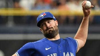 Ray takes no-hitter into 7th, Jays end Rays' 6-game streak