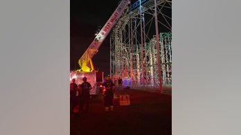 Texas firefighters rescue 8 teens stuck at top of New Mexico roller coaster for 2 hours