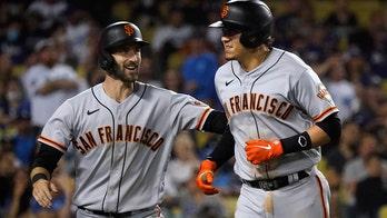 Flores' homer off Jansen in 9th rallies Giants past Dodgers
