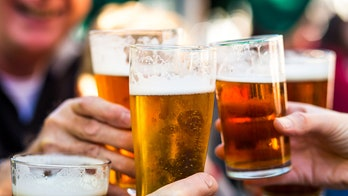 Some alcohol consumption may benefit heart disease patients, study suggests