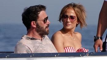 Jennifer Lopez, Ben Affleck relax on $130M super yacht in Italy
