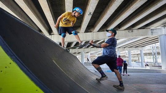 Florida couple teaches homeschooled kids through action sports