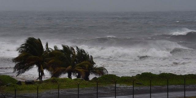 L'ouragan Elsa s'approche d'Argyll, Saint-Vincent vendredi.  (Photo AP/Orvil Samuel)