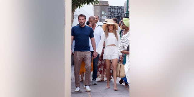 Ben Affleck and Jennifer Lopez strolled through the streets of Capri.