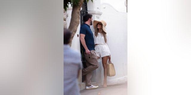 Jennifer Lopez gazed lovingly at Ben Affleck while in Capri, Italy.