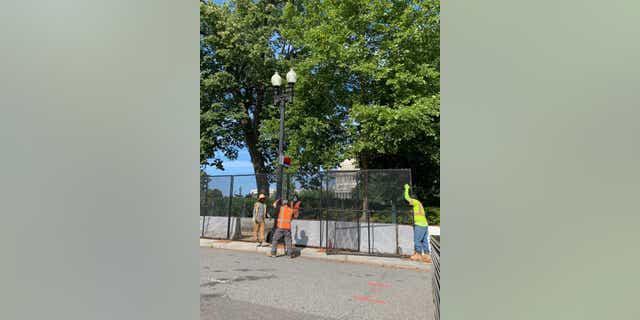 The Capitol fence directly in front of the US Supreme Court is taken down.  (Kelly Laco / Fox News)