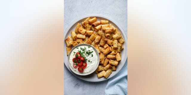 Yumna Jawad of Feel Good Foodie tells Fox News the origins of the viral pasta chips trend are unclear, but many people have already created their own recipes and shared it on TikTok. (Feel Good Foodie)