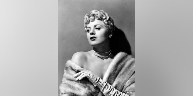 It has been reported that Shelley Winters and Marilyn Monroe were roommates during their early years in Hollywood.