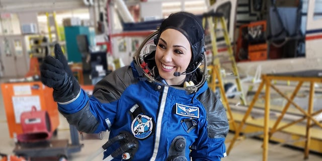 KellieGerardi, a 32-year-old bioastronautics researcher and social media influencer is gearing up for space with Richard Branson's Virgin Galactic. (Kellie Gerardi).  - IIAS blue 1 - Meet the mom heading to space on Richard Branson's Virgin Galactic spaceship
