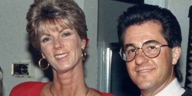 Paul Curry, a 'Jeopardy!' champ, wooed Linda Kinkade with his intelligence.