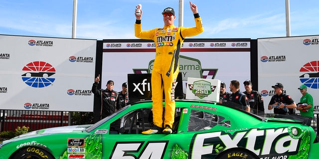 Kyle Busch makes it 5-for-5 as he retires from NASCAR Xfinity series