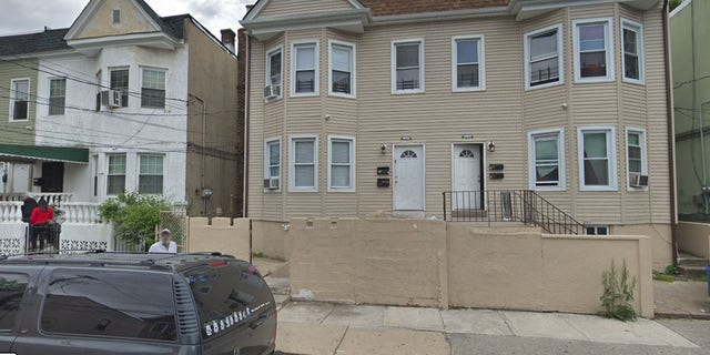 Police found the body in an apartment building at 256 Corson Ave. on Staten Island.